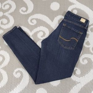 Levi's Signature Skinny Totally Shaping Med Wash